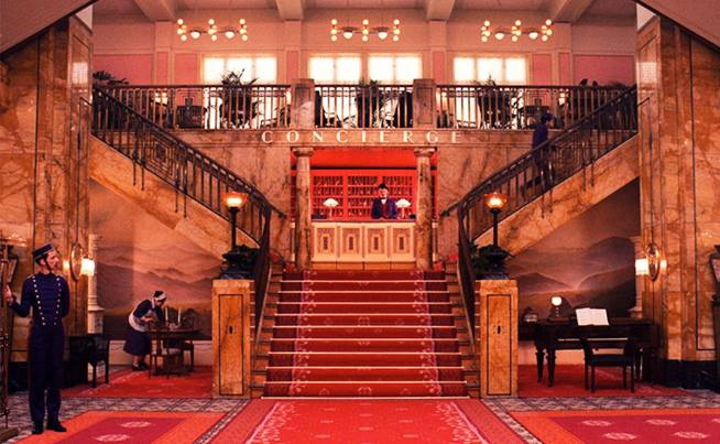 the-concierge-desk-and-main-staircase